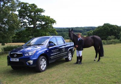 SSANGYONG SPONSORS INTERNATIONAL THREE-DAY EVENTER, TOM CRISP