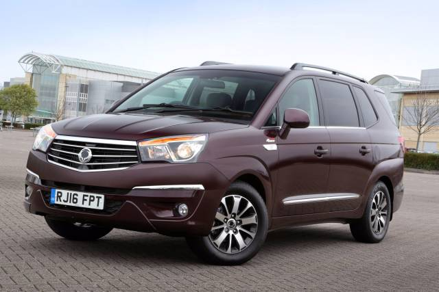 SSANGYONG ADDS FREE 'HALF PRICE' UPGRADES ON TURISMO MPV