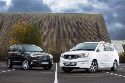 IT'S A BLACK OR WHITE DECISION - TWO NEW SPECIAL EDITION TURISMO MPVs FROM SSANGYONG