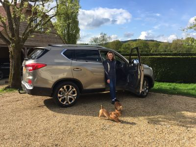 OLYMPIAN PIPPA FUNNELL RECEIVES HER NEW SSANGYONG REXTON
