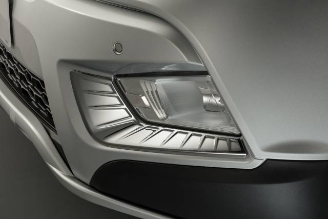 Chrome Fog Lamp Moulding