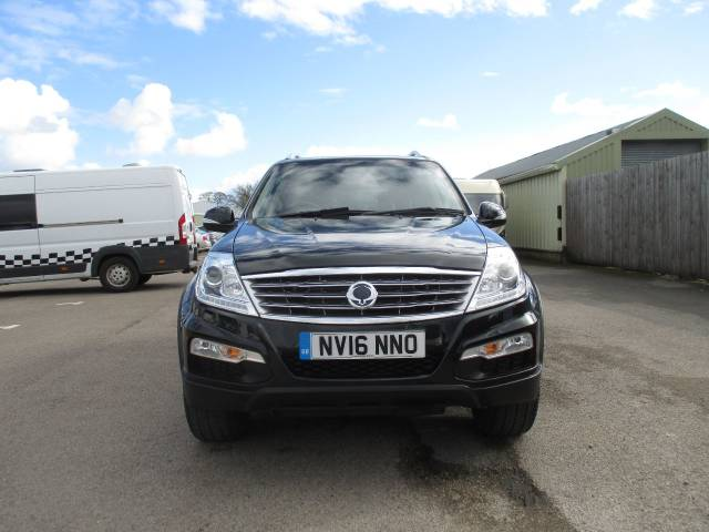 SsangYong Rexton W 2.2 EX 5dr Estate Diesel Black at SsangYong GB Luton